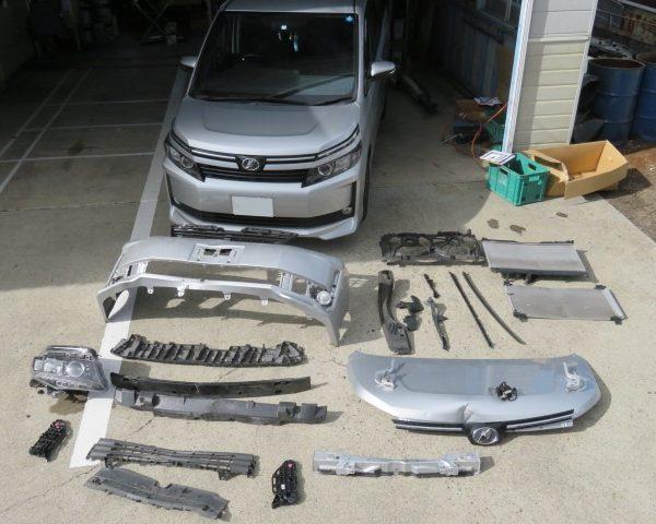 トヨタ VOXY ボクシー フロント板金塗装修理