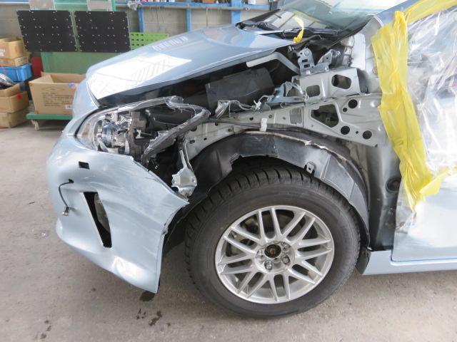 トヨタ プリウス 事故 キズ ヘコミ 交換 鈑金 板金 塗装